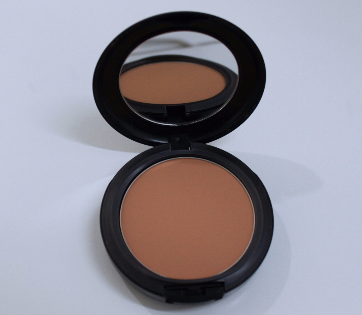 Review: MAC Studio Fix Powder Foundation